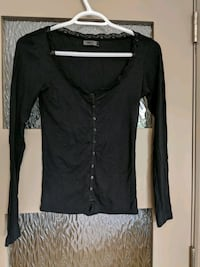 Button-up long black v-neck with lace size xs/s Calgary, T2E 0B4