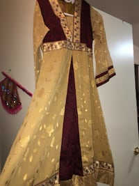brown and red floral long-sleeved traditional dress Mississauga, L5M 5E2