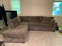 Sectional Sofa with Queen Sleeper Los Angeles, 91403