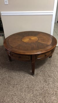 Round coffee table with wheels Knoxville, 37909