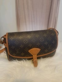 LV Vintage Sologne AUTHENTIC Crossbody bag Oakville, L6K 2S2