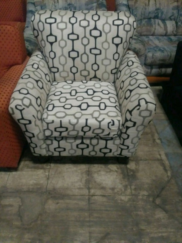 Superb Gray And White Floral Fabric Sofa Chair Gamerscity Chair Design For Home Gamerscityorg