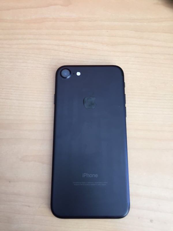 iPhone 7 matte black for sale 1ed13897-4691-4a45-85f5-c9109cac3ac0