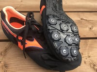 Mizuno Track and Field Spikes shoes. Size 7 1/2 LONDON
