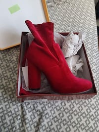 Size 8 red chunky heels