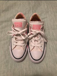 pair of white Converse All Star low-top sneakers Stafford, 22554