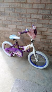 Beautiful kids Bike , excellent condition  Frederick