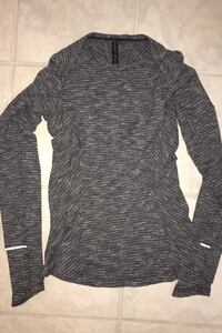 Size 4 grey Lululemon long sleeve
