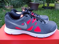 Nike Revolution 2 gs Youth 5y 6y New authentic Metairie, 70006