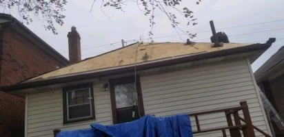 Flat Roofing / Slope Roofing / Siding  /Service
