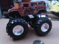 brown R/C Hummer H2 monster truck toy Brownsville, N0L 1C0