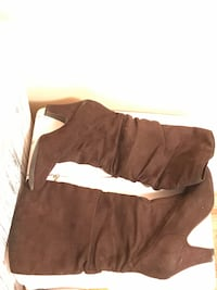 Dark brown faux suede slouchy boots - size 7 Coquitlam, V3E 3B7