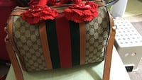 grey and brown Gucci crossbody bag Union City, 94587