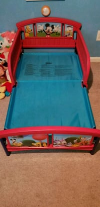 red and blue plastic bed frame Norfolk, 23513