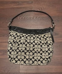 Coach shoulder bag in VGUC from N/S home. Mission
