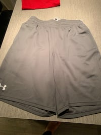 Under armour men's size m shorts  Toronto, M5J