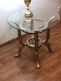 End table, pair DESMOINES
