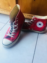 Red converse high tops  St Catharines, L2T 1B4