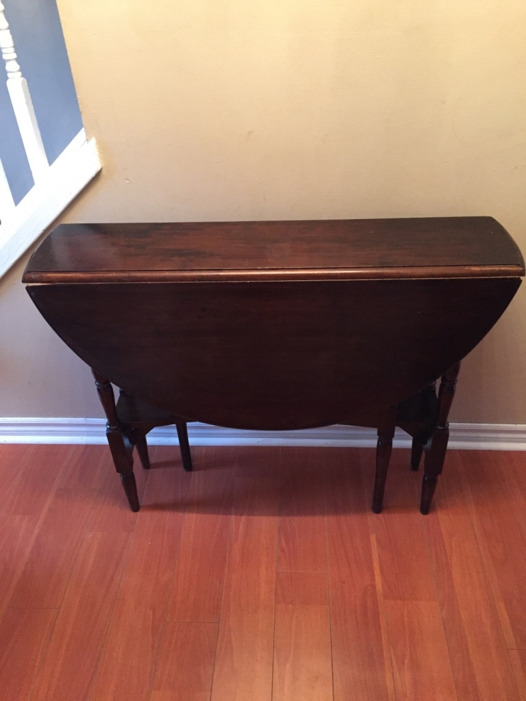 brukt antique drop leaf gate leg table walnut til salgs i brampton rh se letgo com