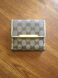 Authentic Gucci wallet null, T8T