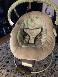 Bouncer chair  St Catharines, L2S 2P5