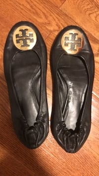 Pair of black leather flats- Tori Burch size 10 Norton, 02766