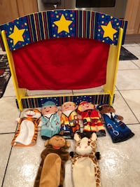 Table top melissa and Doug plush puppet show like new super soft   373 mi