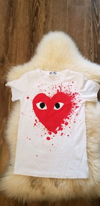 white play comme des Garcons t shirt  Mississauga, L5B 4A1