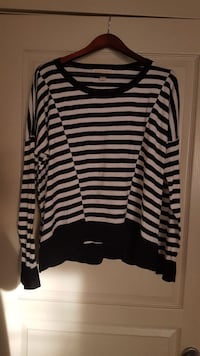 AUTHENTIC MICHEAL KORS  Cottin knit  ! Calgary, T3H 0A5