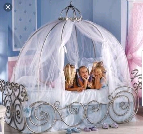 Disney Princess Full Size Carriage Bed