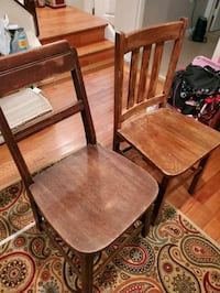 2 Antique solid wood Chairs Burke, 22015