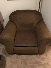 Brown Chair (non smoker) cash and pick up only