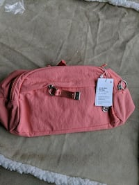 Lululemon on the beat belt bag  with tags 4.5L  Vancouver, V6B 3G6