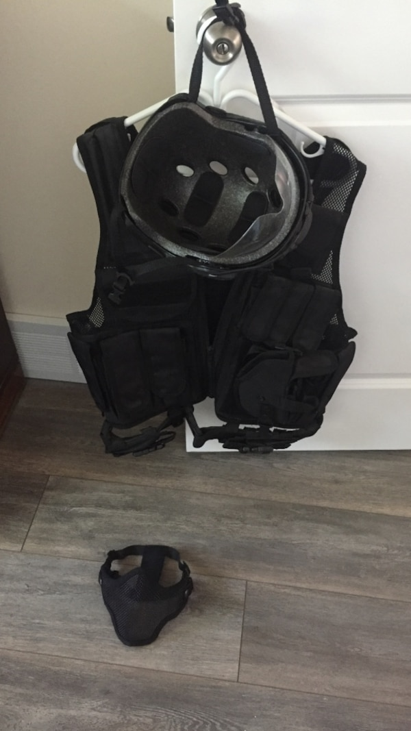 Airsoft gear new never used all for $100