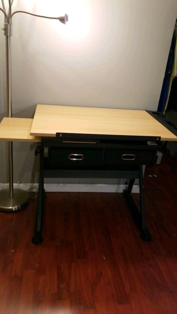 Adjustable Wooden Drafting Table