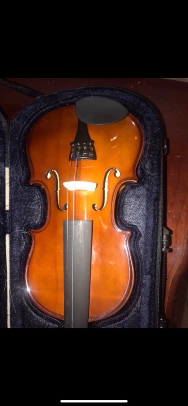 3/4 violon with stick and case