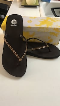 Flower box bronze size 11 sandal with champagne crystals Victor, 14564