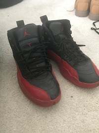 Jordan 12 Red and Black Waldorf, 20602