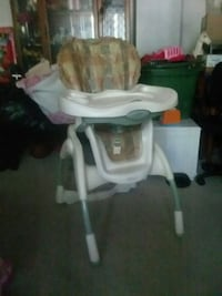 baby's white and gray high chair Woodbridge, 22191