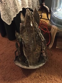 Bronze light fixture. If anyone knows what it's worth lmk Woodbury, 11797