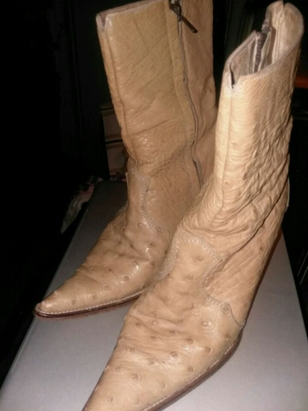 5bfbdff9022 Real leather Country boots very goid condition