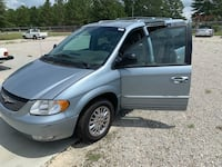 Chrysler - Town and Country - 2002 West End