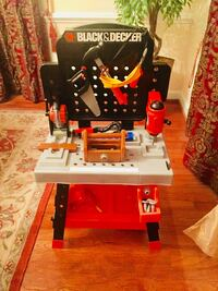 Black and decker Red and black craftsman table saw ( Moving-everything must go) Fairfax Station, 22039
