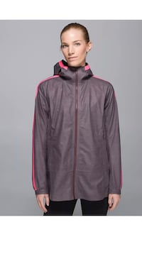 New ~ lululemon the drizz rain jacket ~ size 8 Surrey, V4N 6A2