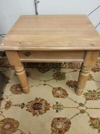 small wood end table Easton, 18045