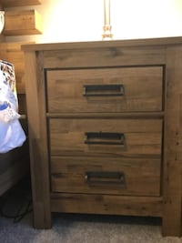 MUST GO ASAP! Complete Bedroom Set with Lamps ORLANDO