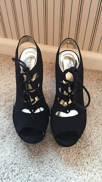 Black suede peep toe cage heels size 6 Winchester, 22602