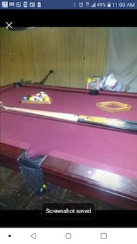 GREAT POOL TABLE WITH STICKS, BALLS and LIGHTS. Milwaukee, 53212