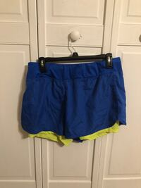 blue and green Nike shorts Lockport, 60441