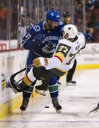 Vegas Golden Knights - Vancouver Canucks (almost sold out game)